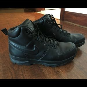 Mens Nike Black Boots size 12